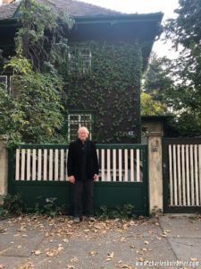 Charles Strozier stands in front of the Home of Heinz Kohut in Vienna